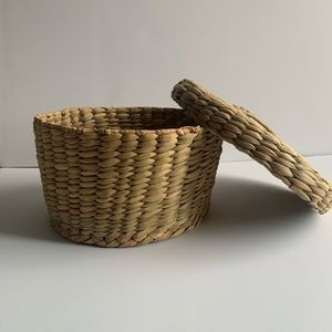 Boho Weaved Wicker Basket with Lid